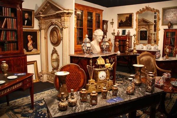 Mercatopoli sinalunga il mercatino dell 39 usato a siena - Mobili antichi milano ...