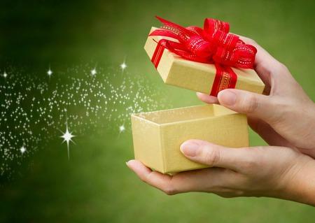 Regali di natale sostenibili un 39 attenzione in pi grazie for Cose in regalo usato