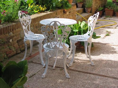 Arredi da giardino portali a mercatopoli san fior for Sedie in ferro battuto da giardino