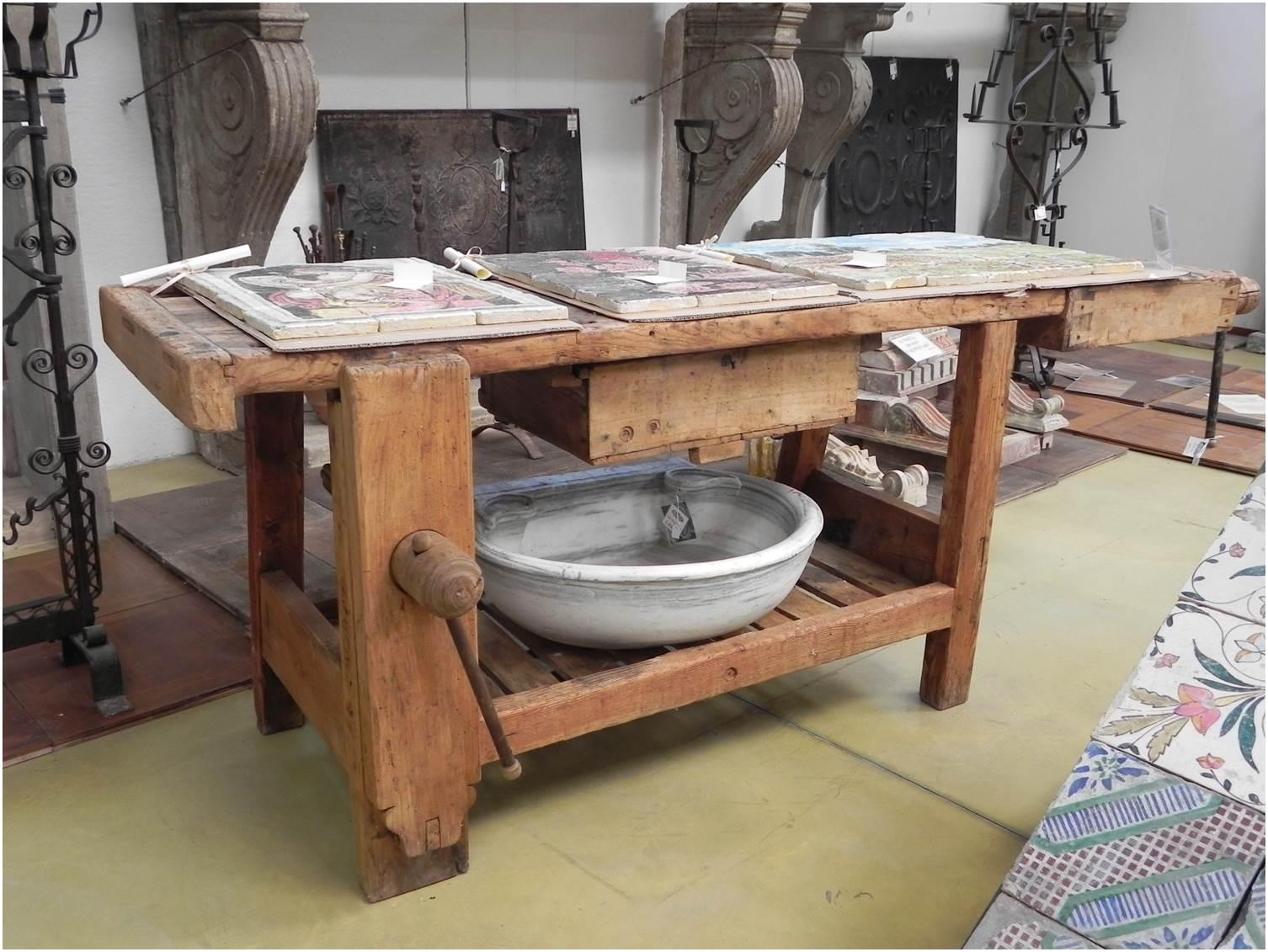 Tavoli Da Lavoro Vecchi : Tavolo vecchio