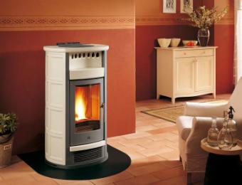 Come riscaldare casa in modo sostenibile mercatopoli - Stufe a pellet a basso costo ...