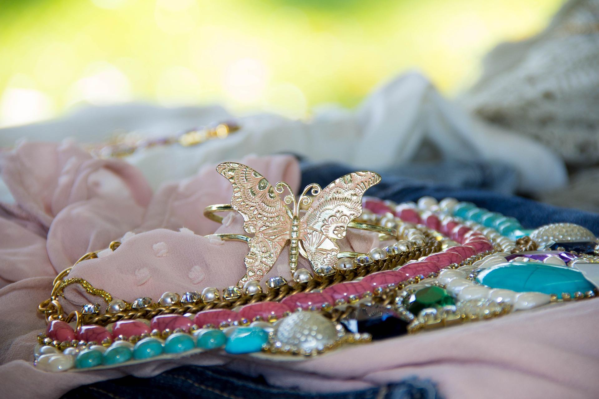 vendere bigiotteria usata e accessori vintage