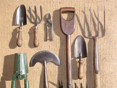 attrezzi da giardino usati