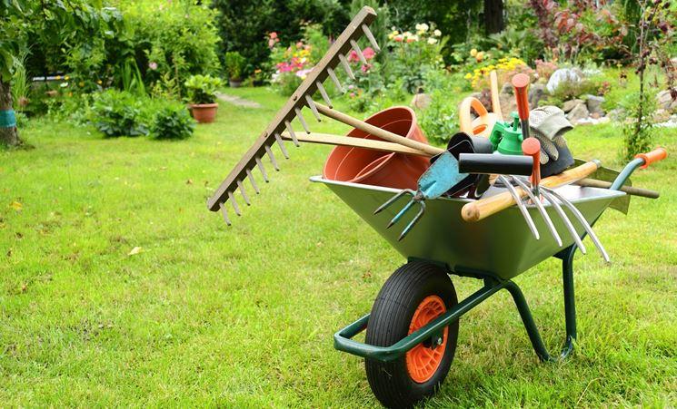 attrezzature da giardino usate