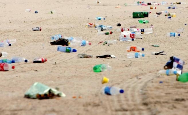 rifiuti-spiagge