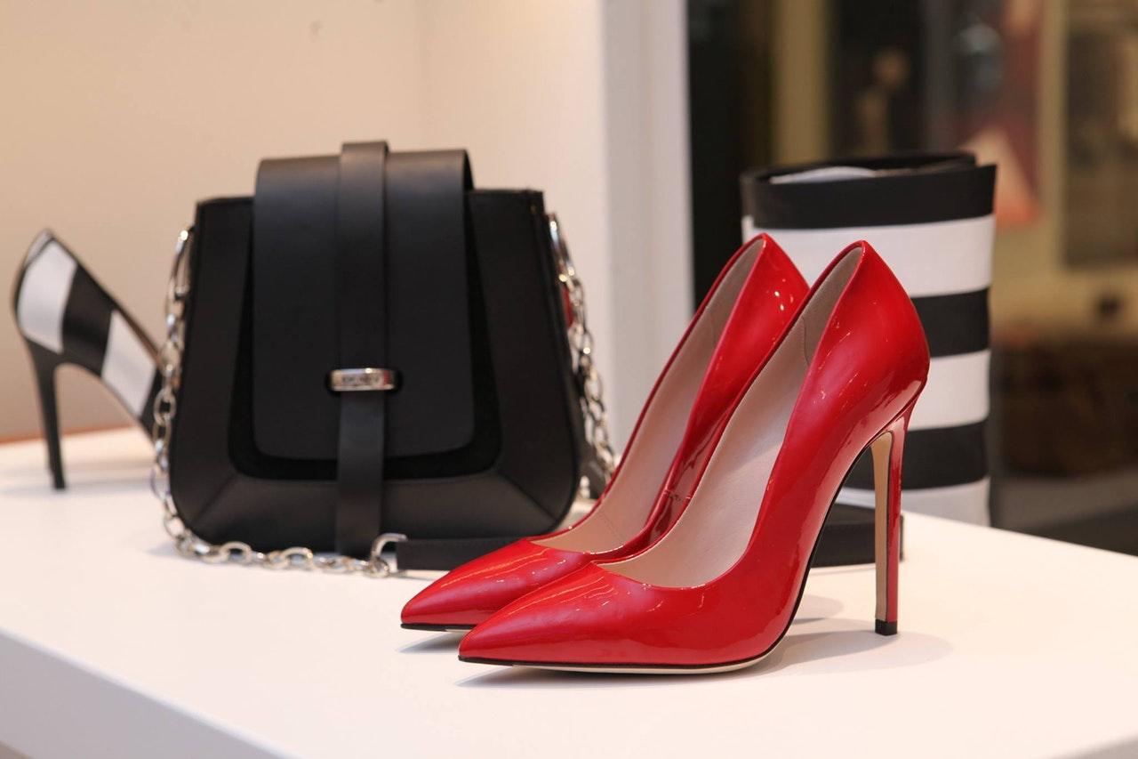 vendere-borse-scarpe-griffe