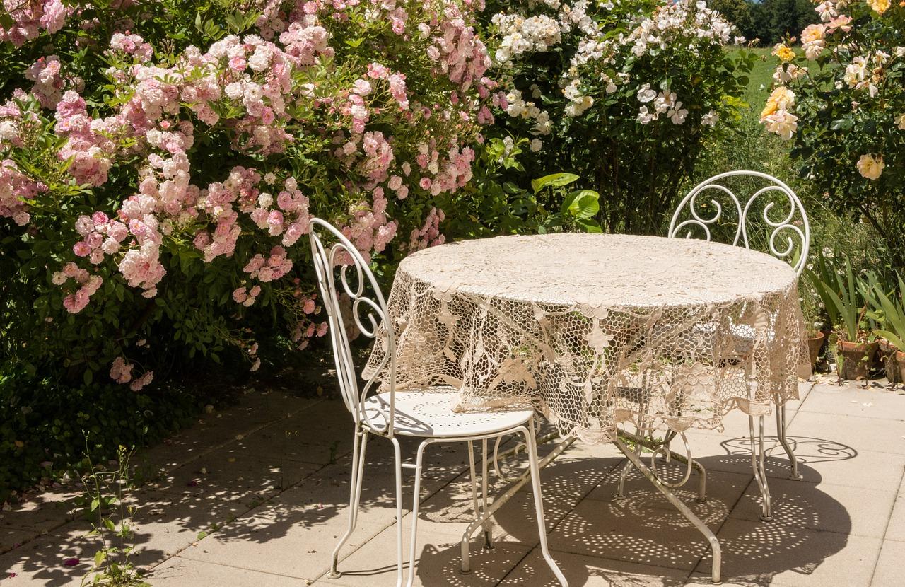 Panchine Da Giardino Usate : Nuova vita ai piccoli mobili da esterno e da interno mercatopoli