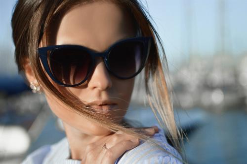 Occhiali da sole firmati  vendi gli accessori estivi - Mercatopoli 8644d7adb0f